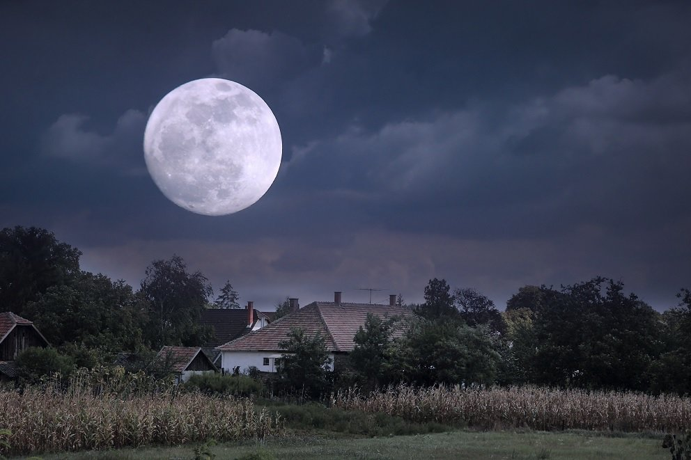 Что такое Луна планета или звезда