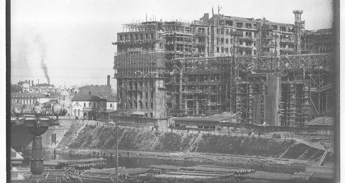 строительство дома на набережной